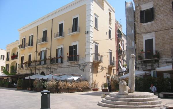 Riqualificazione piazza Mercantile